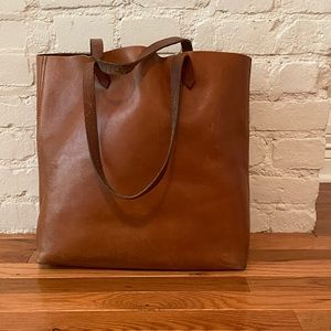 Madewell The Transport Tote in English Saddle